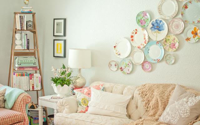 1057103_renove-a-decoracao-da-casa-pendurando-pratos-nas-paredes